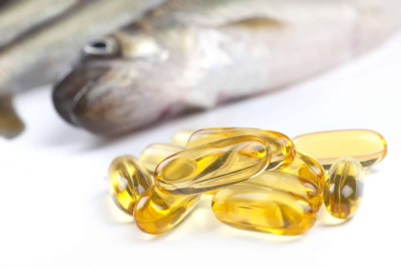 روغن ماهی و کاهش چروکهای دور چشم