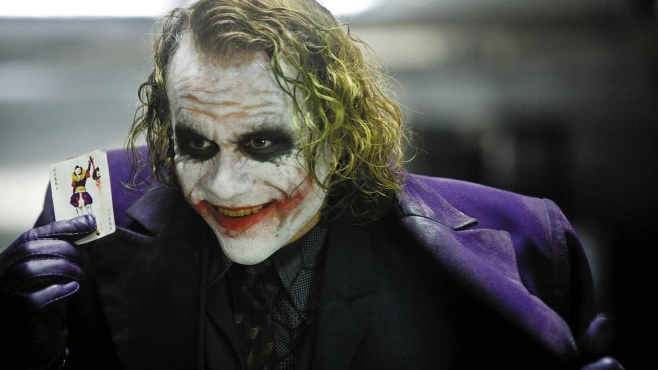 هیث لجر در نقش جوکر در فیلم شوالیه تاریکی