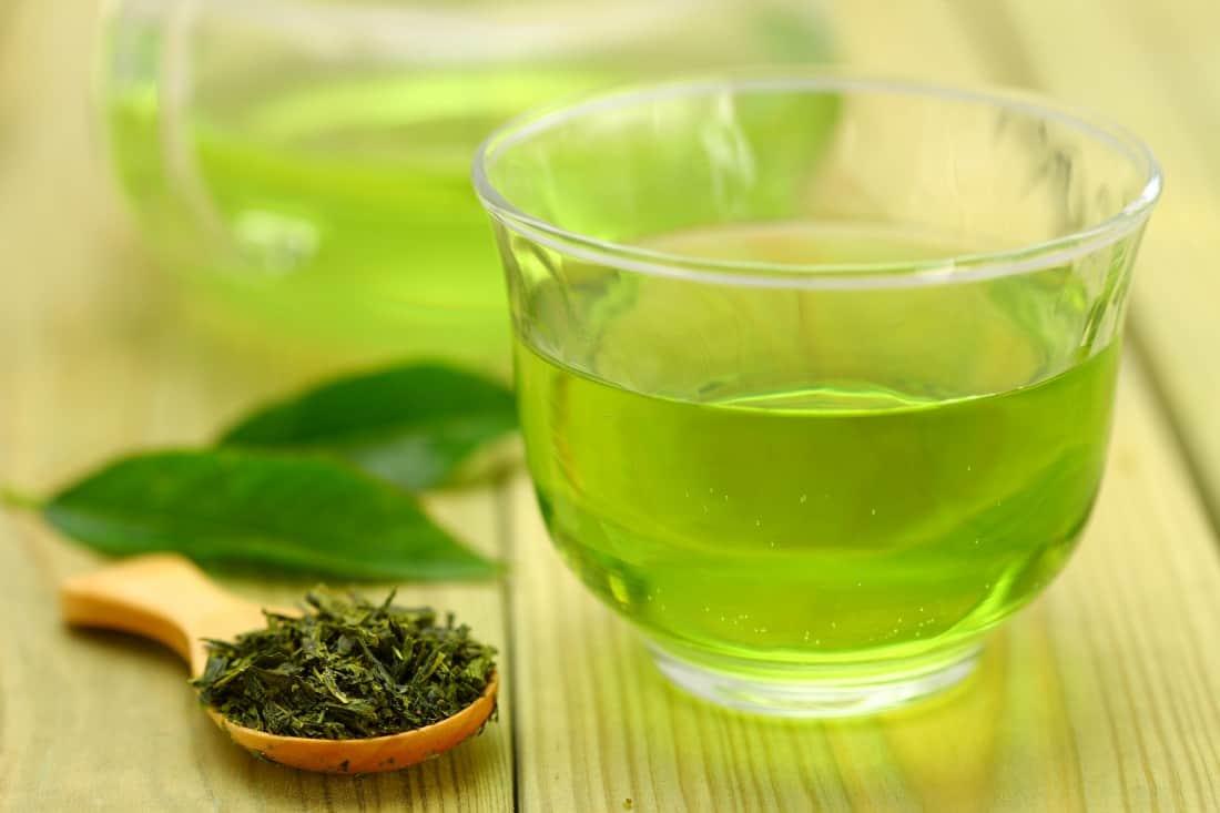 دهانشویه چای سبز
