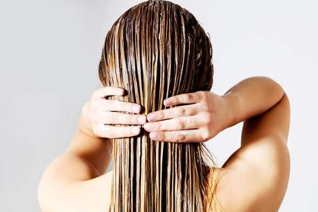 روش صحیح برس زدن موها