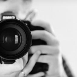 دوربین عکاسی حرفه ای چه ویژگی هایی باید داشته باشد؟