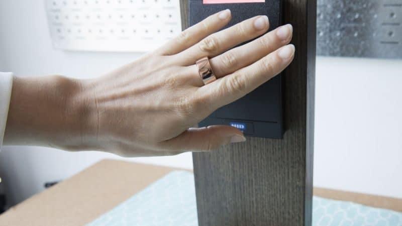 انگشتر هوشمند چیست