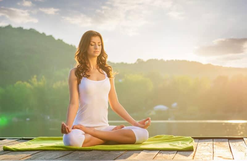 یوگا و کاهش استرس برای درمان فشار خون بالا