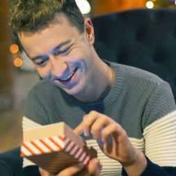 ۱۰ هدیه مناسب برای آقایانی که عاشق تکنولوژی هستند