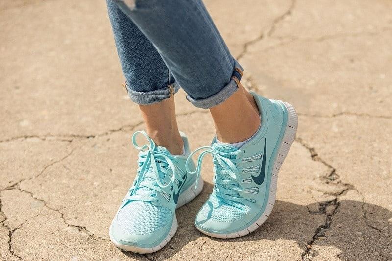 خرید کتانی - کفش مناسب