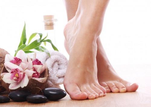 درمان خانگی برای رفع ترک کف پا