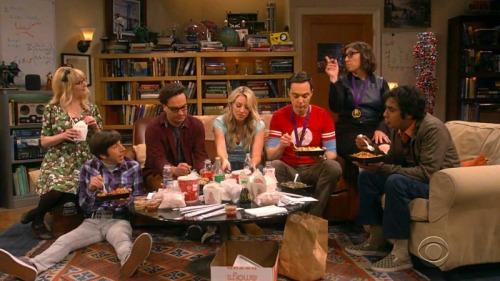 تئوری بیگ بنگ سریالی سیت کام و یکی از پرمخاطبترین سریالهای آمریکایی است.