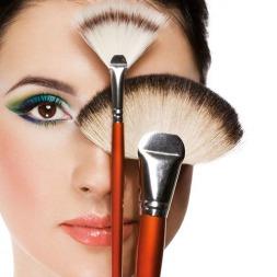 راهنمای قدم به قدم آرایش حرفه ای صورت همراه با فیلم آموزشی و معرفی لوازم مرغوب آرایشی