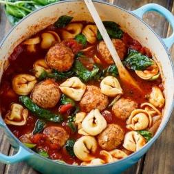 انواع سوپ های لذیذی که در کمتر از ۳۰ دقیقه آماده می شوند!