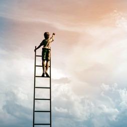 جملات فلسفی و عمیقی که شما را به موفقیت و شادی تشویق می کند