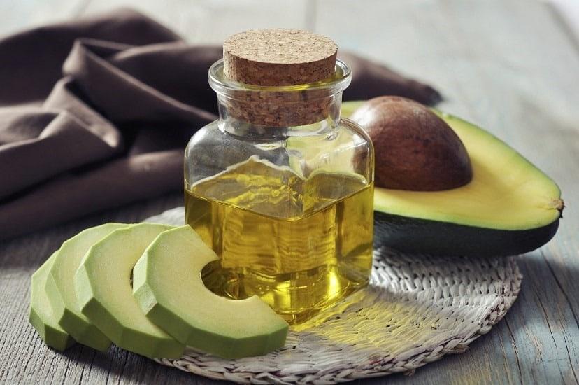 سلامت پوست با میوه و روغن آووکادو