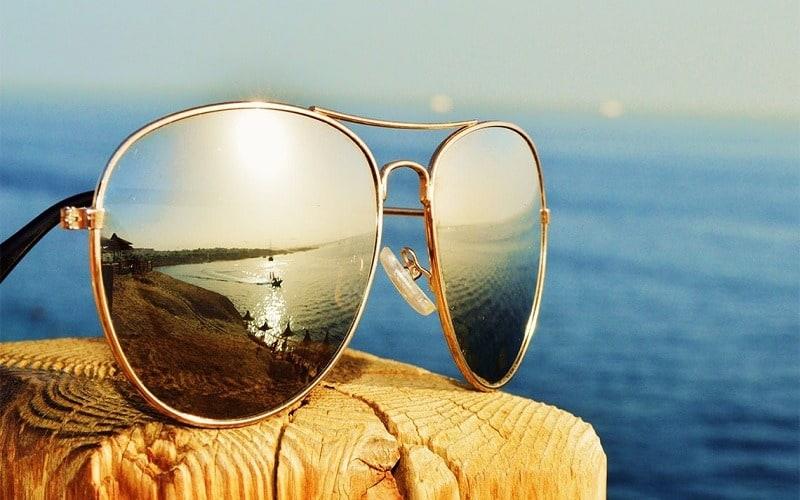 عینک آفتابی- اشعه ماورا بنفش