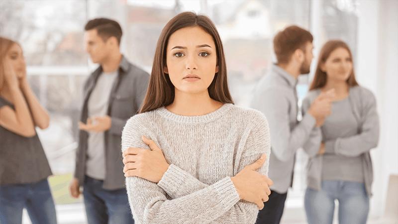 خجالتی بودن یا اضطراب اجتماعی