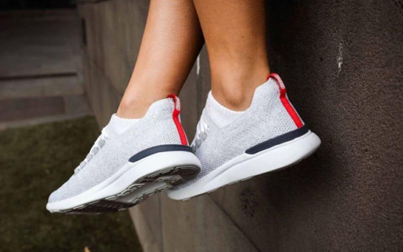 کفش ورزشی APL