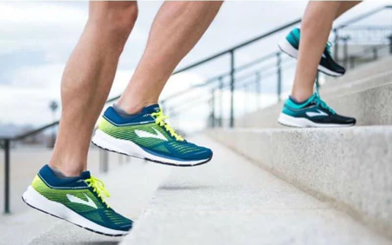 کفش ورزشی brooks